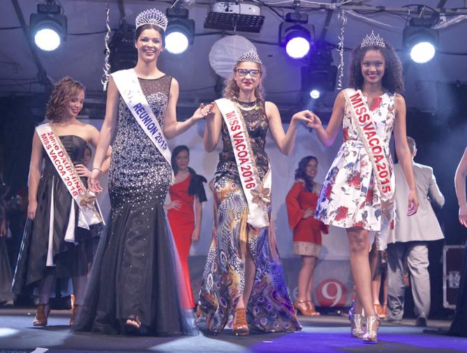 Azuima avec les Miss Vacoa 2016 et 2015