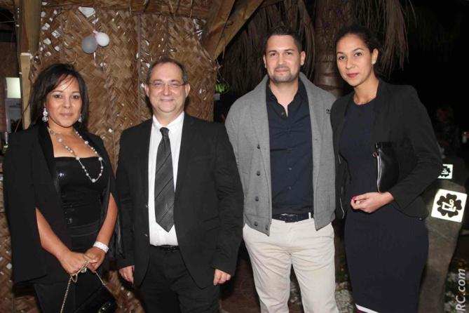 Stéphane Fouassin, le président de l'IRT (avec la cravate), était présent