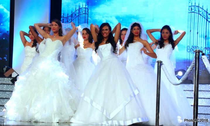Le très attendu passage en robe de mariée