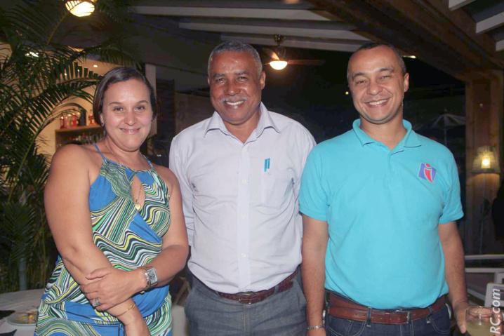 Anita Thiebert, service commercial de Pierrefonds, Laval Baptiste et Clément Suzanne de la délégation de Rodrigues