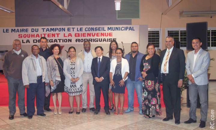 La délégation de Rodrigues reçue par André Thien Ah Koon, maire du Tampon