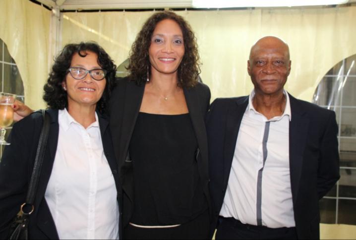 Leïla avec ses parents
