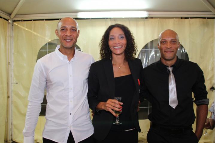 Leïla avec deux de ses frères