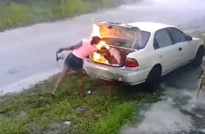 La pyromane gaffeuse!