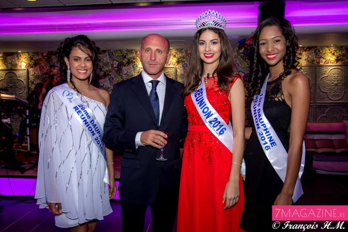 Anaïs, Ambre et Raïssa avec l'un des actionnaires principaux du Casino de Saint-Denis
