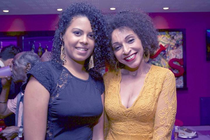 Jessica Boyer (à droite), animatrice réseau boutiques Kenza, et sa collaboratrice