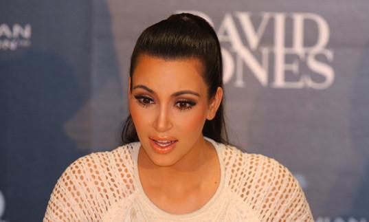 Kim Kardashian ligotée, des millions envolés