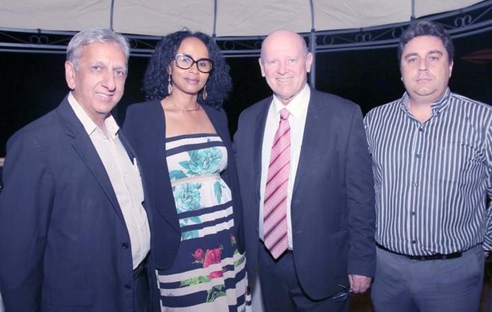 Aziz Patel, Faouzia Vitry, Alain St Ange et Pascal Viroleau, directeur des Iles Vanille