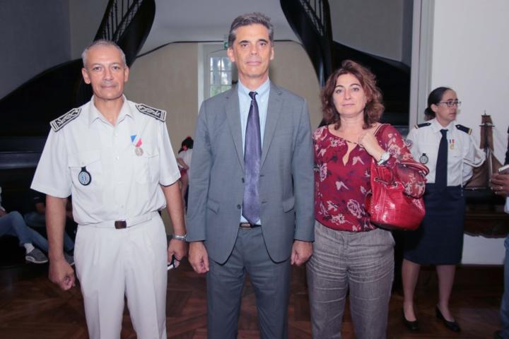 Le Préfet avec Jean-François Lebon, et Nathalie Poirier-Authebon, directrice départementale de la Police de l'Air et des Frontières