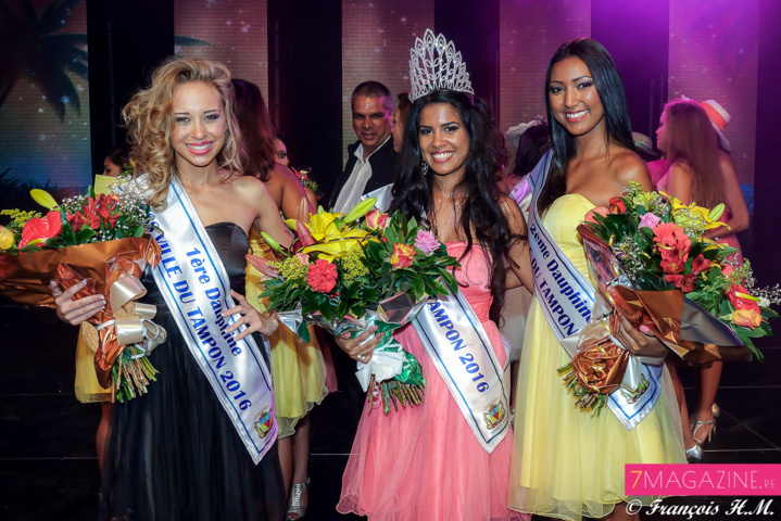 Marine Télef, 1ère dauphine, Vâni Hoarau, Miss Ville du Tampon 2016, et Karen Timbou, 2ème dauphine