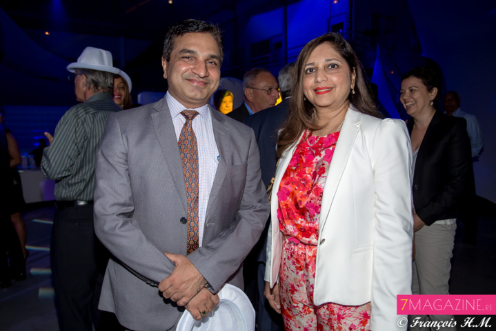 Le Consul de l'Inde Sajeev Kumar Bhati, et Yasmine Ravate