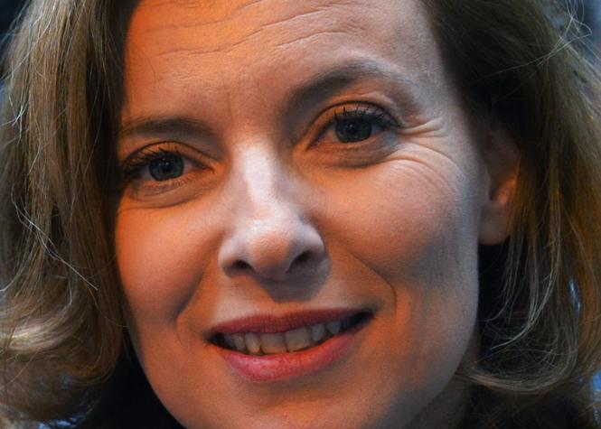 """Valérie Trierweiler était """"maladivement jalouse"""" de Ségolène selon Hollande"""