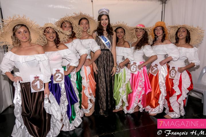Les 8 candidates avec Miss Réunion avant le début du show