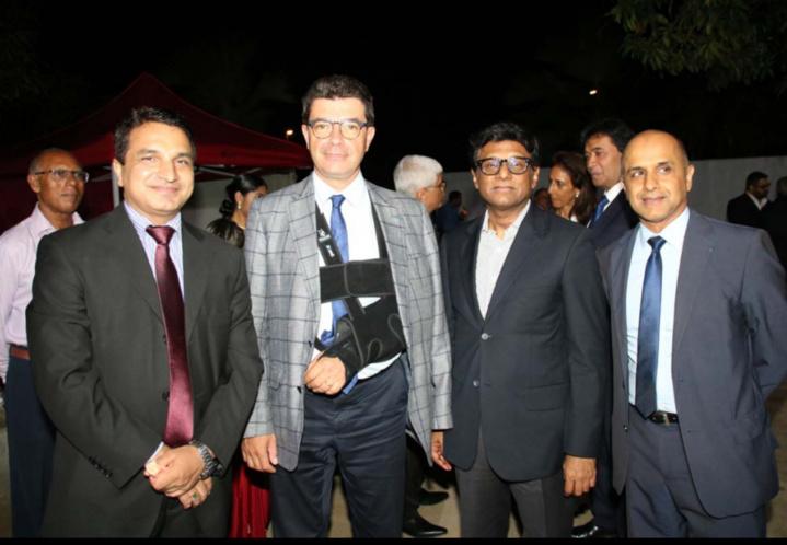 Sanjeev Kumar Bhati, Consul Général de l'Inde à La Réunion, Maurice Barate, secrétaire général de la Préfecture, Son Excellence Dr. Mohan Kumar, Ambasadeur de l'Inde en France, et Abdoullah Lala, expert-comptable