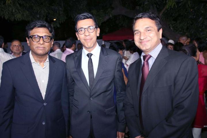 Son Excellence Dr. Mohan Kumar, Younous Omarjee, député européen, et Sanjeev Kumar Bhati