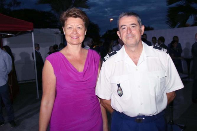 Le colonel Luc Auffret, commandant de la Gendarmerie à La Réunion, et son épouse