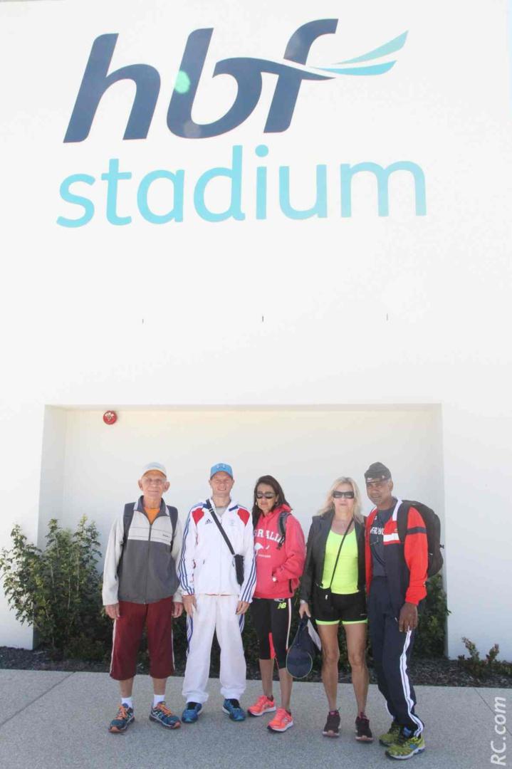 Arrivée au Stadium de Perth pour le retrait des dossards