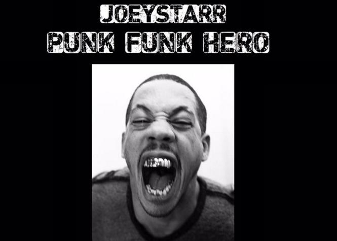 JoeyStarr déculotté avec son ex sur le dos