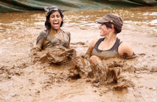 Finalement, dans la boue, on s'éclate!