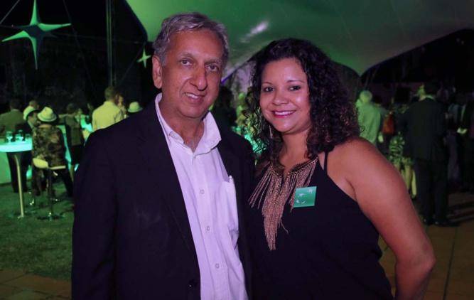 Aziz Patel du Comité Miss Réunion, partenaire de l'opération solidaire, et Florence Laï Leung Kwong