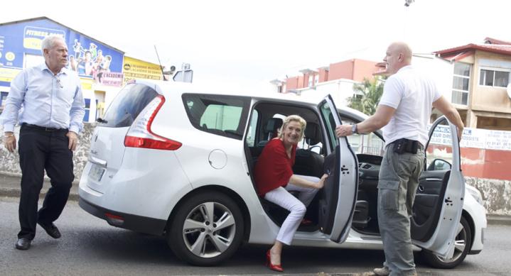 A La Réunion, elle a roulé en Renault Scénic...