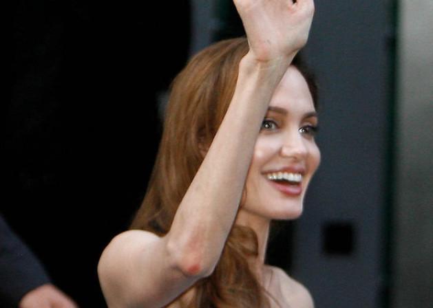 Angelina Jolie sous la barre des 35 kilos?