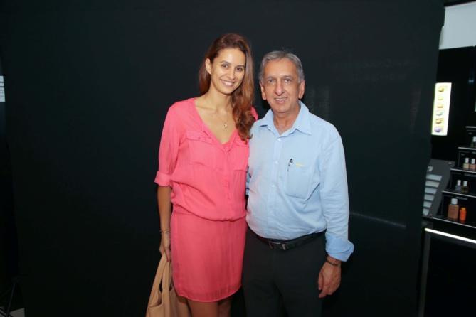 Virginie Ghanty, l'épouse de Yachine, Miss Réunion 2004, et Aziz Patel