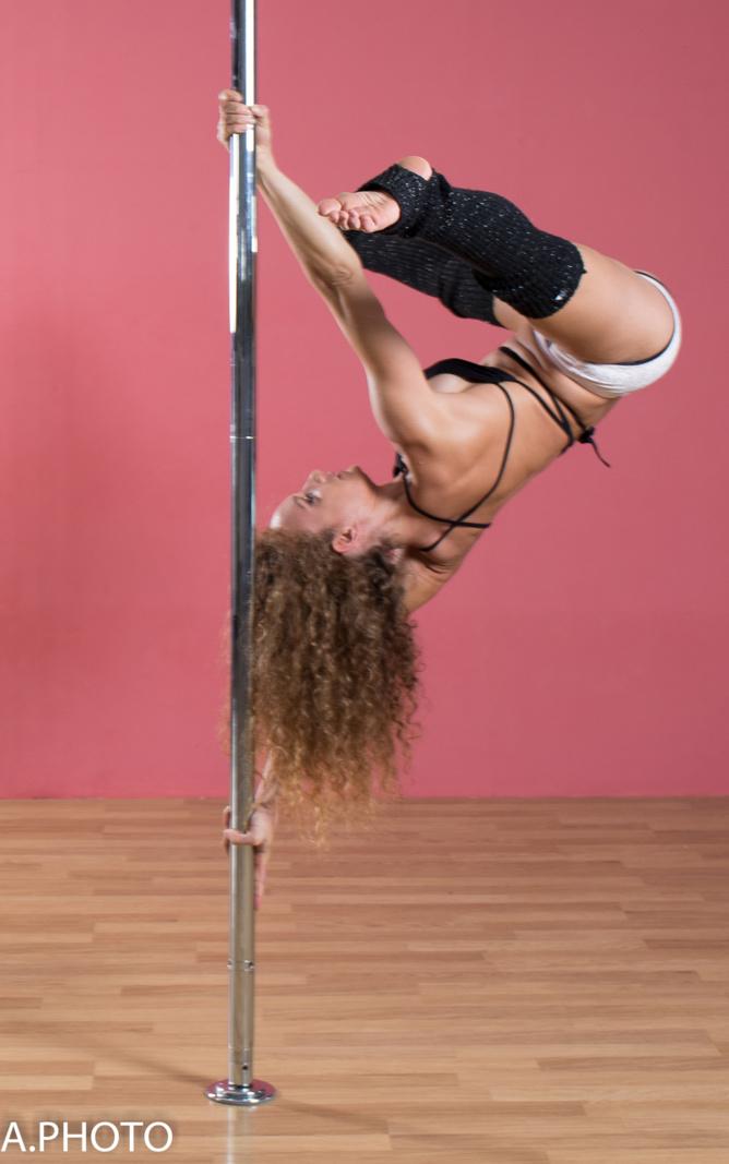 Jen Lybel: profession Coach pole dance