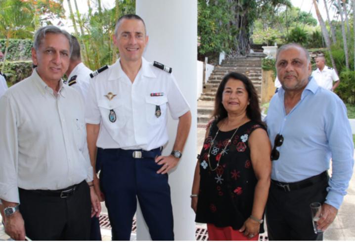 Aziz Patel, Chef d'escadron Laurent Frutos, commandant l'EDSR Réunion, Rabia et Osman Badat
