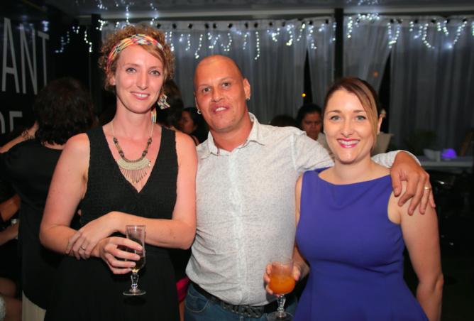 Elise Liger-Belair infirmière référente, Christophe hypnothérapeute, et Laetitia Le Fur, diététicienne