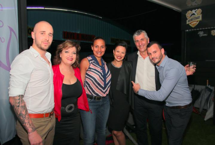 Matthieu Collard, Jeanne Loyher, Camille et Emilie Minatchy, Pierre-Louis Pujos et Nicolas Lombard, directeur général de Distribur