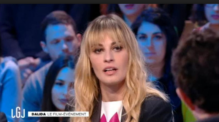 Crise d'epilepsie en plein direct pour l'interprète de Dalida sur Canal +