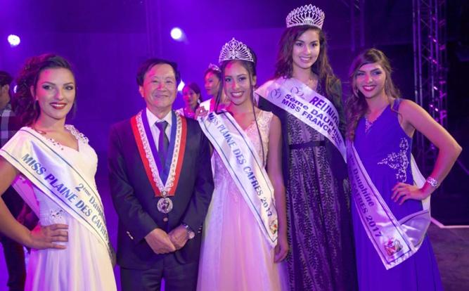 Les lauréates avec André Thien Ah Koon et Ambre N'guyen