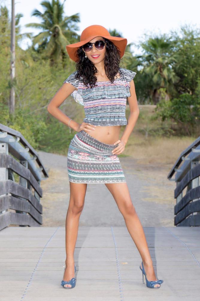 Zara Jinah, 22 ans, pas très grande et beaucoup de charme!