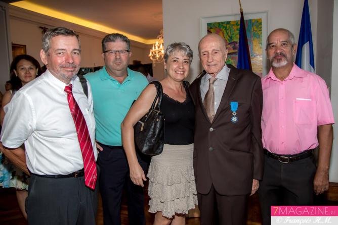 Les amis du Comité Territorial de Rugby étaient là autour de Paul Versini-Trollé: Bernard Le Traon, secrétaire général, Daniel Blondy, président, Cécile Congost, trésorière, et François Chane Kaye Bone, secrétaire adjoint