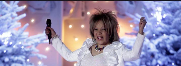 """La chanteuse de """"La Lambada"""" retrouvée morte, carbonisée dans sa voiture"""