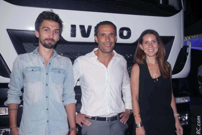 Mehdi Berrekama avec Julie BEGUE et Lucas MONVOISIN de l'agence de communication COURT CIRCUIT