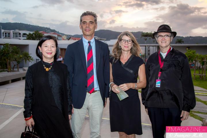 Mme Guo Wei, Consule Générale de la République Populaire de Chine, le Préfet Dominique Sorain et son épouse Frédérique, et René-Louis Pestel, président de la Cité des Arts