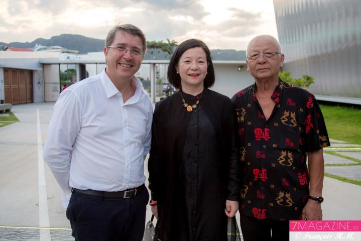Jean-Jacques Morel, conseiller départemental, Mme Guo Wei et Georges Li Si Heng