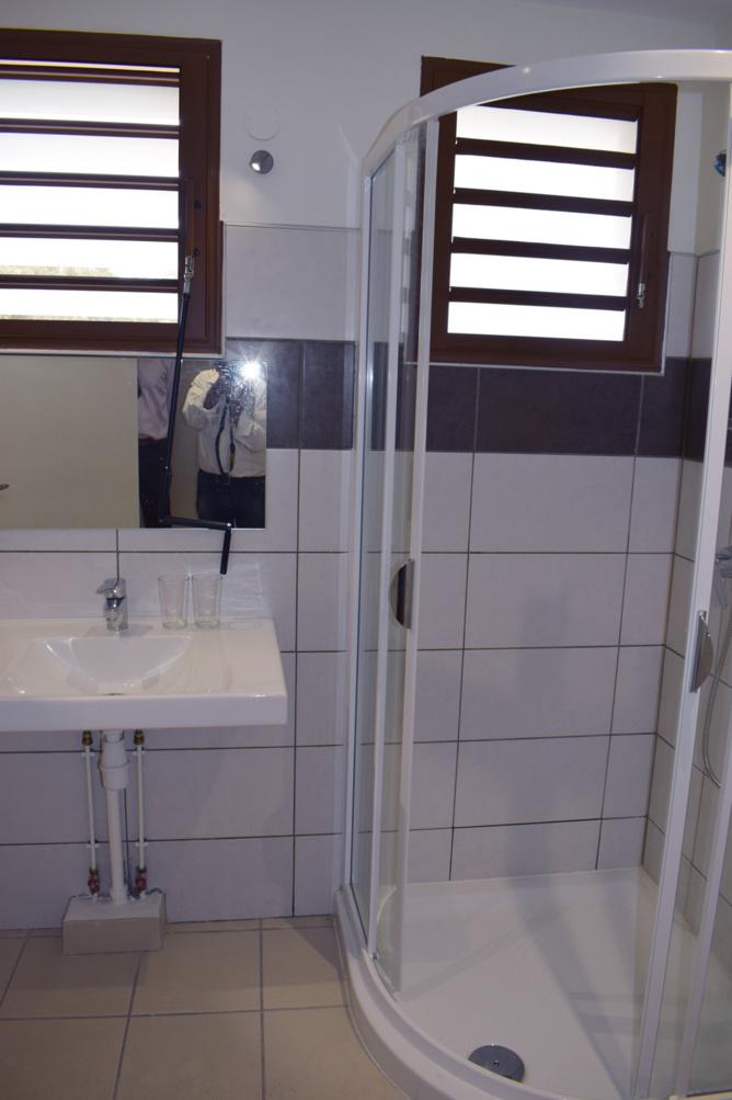 Salle d'eau commune