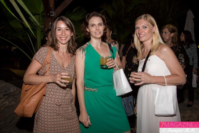 Lauranne, Maud, et Virginie de la Pharmacie des Alizés
