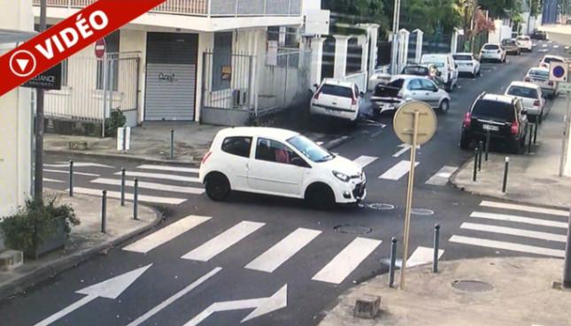 [Vidéo] St-Denis : Accident spectaculaire suite à un refus de priorité