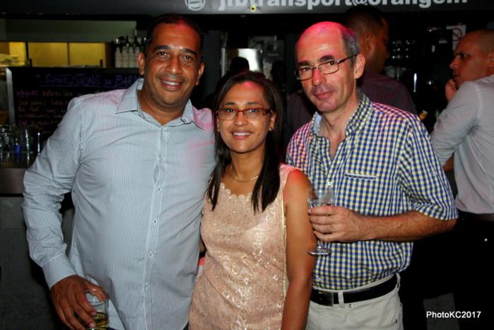 JF Bovalo avec Alice et Eric Sauger de l'Agence Martin Réunion