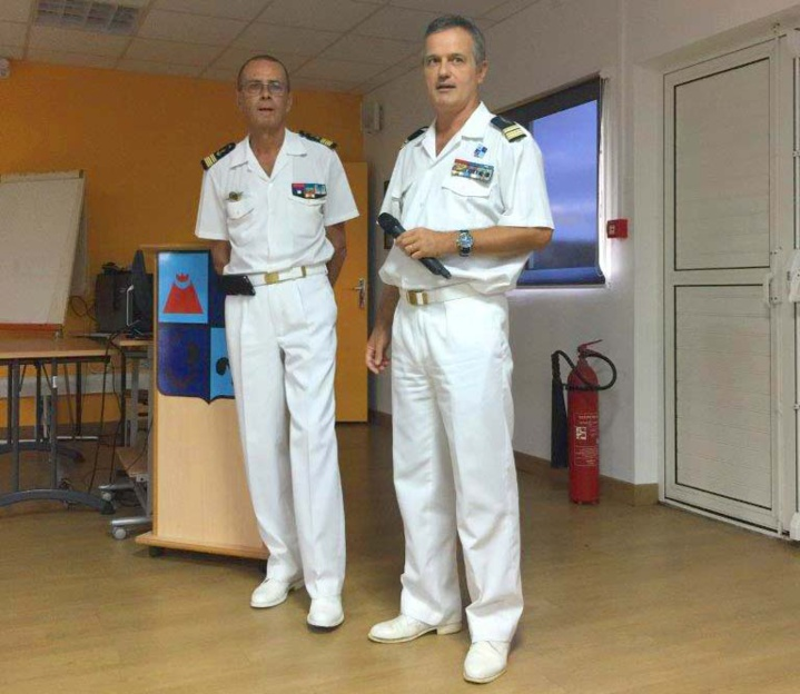 Ouverture de l'AG par Bernard Salva et le lieutenant-colonel François Monard, commandant le Détachement Aérien 181 «Lieutenant Roland Garros»