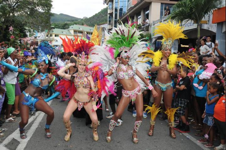 Ce carnaval accueille de nombreux pays...