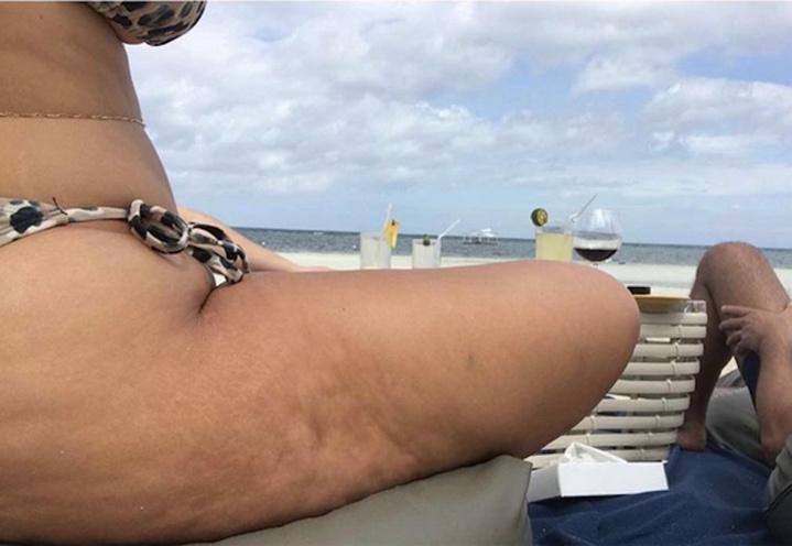 La top XXL Ashley Graham nue pour du pain!