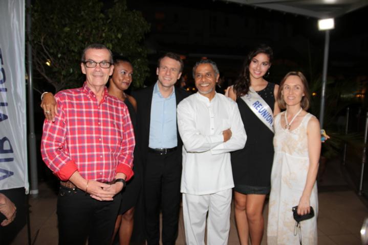 Eric Rennie, Luciana Richard, Emmanuel Macron, Amédée Louis-Fernand, Ambre N'guyen, et Brenda Guidi