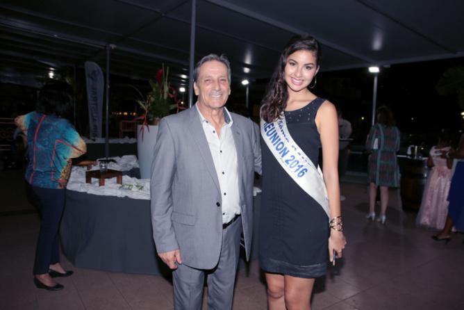 Ambre avec Jean-Marie Missilier, directeur du Pressing L'Océan à Saint-Denis, pressing officiel de Miss Réunion