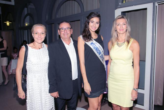 Nathalie Panot et Nicolas Beltran de Winpharma, Ambre N'guyen et Virginie Turonnet