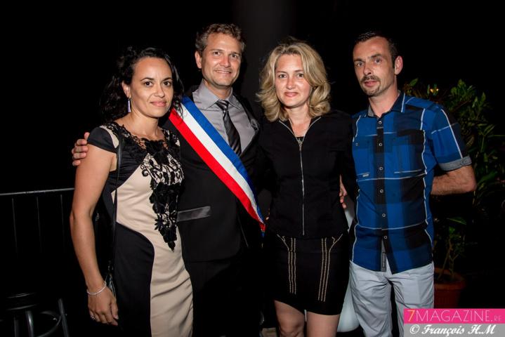 Le maire Olivier Rivière et son épouse Annabelle (à gauche), avec la soeur du maire et son époux